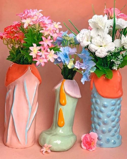 04/11 - Mood vases